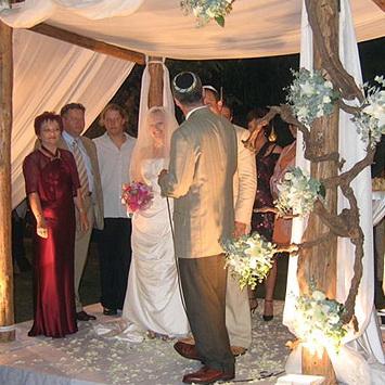 Еврейская свадьба отличается строгими правилами и традициями
