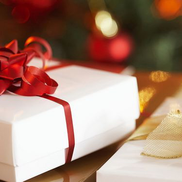 Как выбрать корпоративный новогодний подарок?