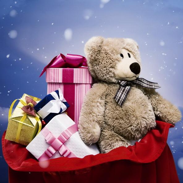 Новогодние подарки партнерам лучше дарить заранее.