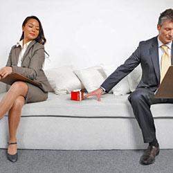 Большинство причин отказа от подарков понятны даже на интуитивном уровне: человек сам чувствует, когда следует отказать!